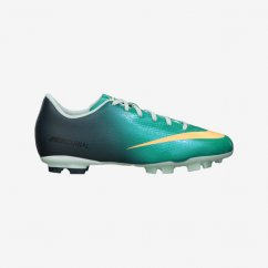 Nike soccer cleats for kids
