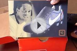 Ronaldinho R10 FG Soccer Cleats RED Unboxing